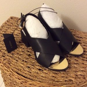 FOREVER 21 NWT shoes -SIZE 7