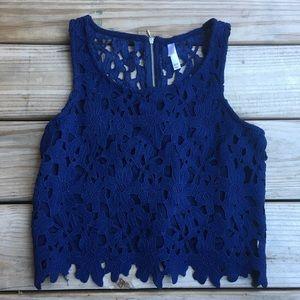 Xhiliration Blue Floral Crop Top