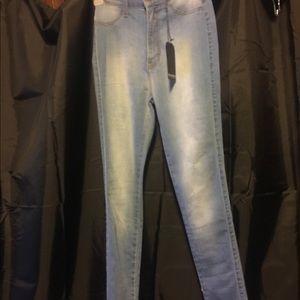 Fashion Nova High Waisted Jeans - Size 7