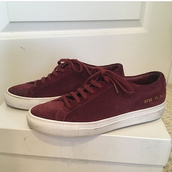 f68cb7248a7f Common Projects Shoes - Common projects Achilles suede burgundy 35
