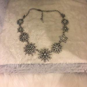 Chloe Isabel starburst necklace