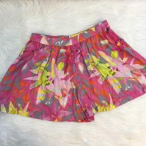 Trina Turk Sz 4 lightweight multi shorts