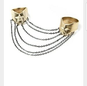 Wildfox two ring with chain