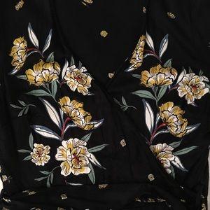 Kimono/Wrap Around Style Delicate ZARA Blouse 🌱🌾
