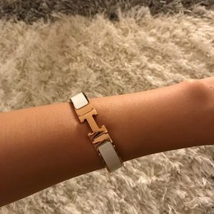 Classic H Bracelet. Accepting Offers!