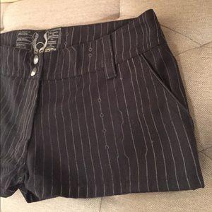 Black Pinstripe Short Shorts ▫️◾️