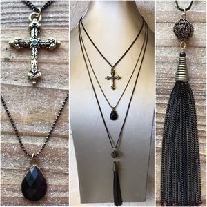 Triple layered goth necklace