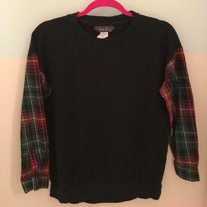 Women's Black Sweatshirt W/Plaid Sleeves/Medium
