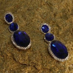 Jewelry - NWT BLUE GLASS RHINESTONE LONG DROP EARRINGS