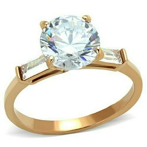 Stunning 2Ct Ring