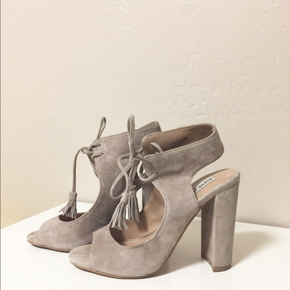 9d1c0da8800 Steve Madden Charlea Block Heel Sandal in US 5.5. M 59e5a90e13302a70b00348ae