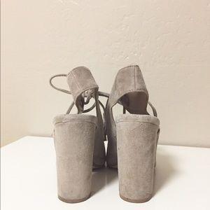 e6c9472e5cc Steve Madden Shoes - Steve Madden Charlea Block Heel Sandal in US 5.5