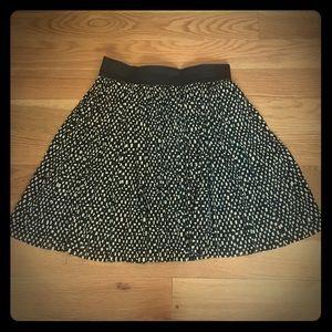 VINCE CAMUTO Black + White Tulle Skirt