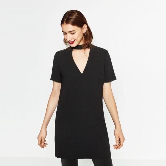 54b513f3 Zara Black V-neck Cut Out Choker Shift Dress. M_59e621a84127d0b1c1042d17