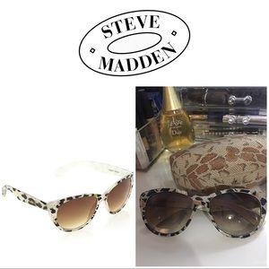 Steve Madden cheetah sunglasses