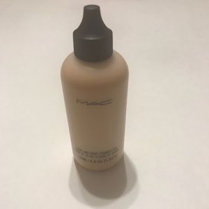 MAC face and Body NC25