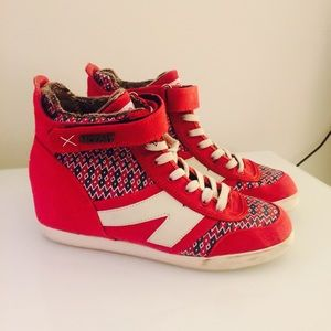 MOVMT  WEDGE SNEAKERS  (Sz 7)  RED/WHITE/NAVY