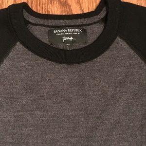 Banana republic merino wool black and gray sweater