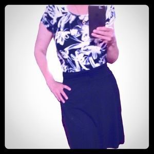 🌺 OUTFIT! 2 pieces- skirt + top, size S