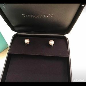 Tiffany Pearl and Diamond earring.