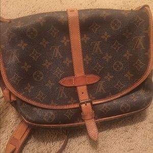Authentic Louis Vuitton Saumur 28