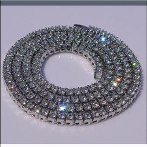 Jewelry - White gold necklace fake simulated diamonds