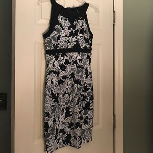 Instantly slimming dress