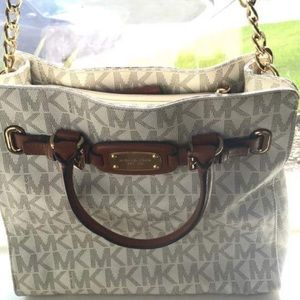 Handbags - Large Michael kors purse