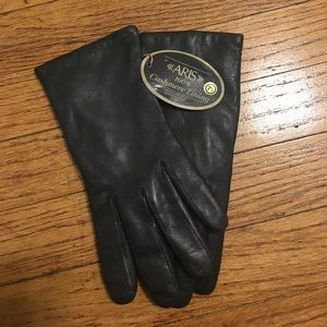 Black leather gloves with cashmere inside.
