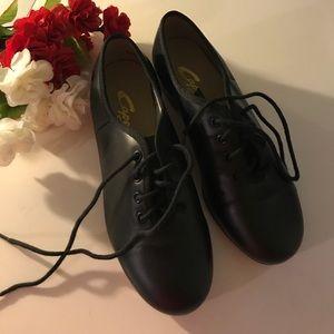 NWOT Capezio CG55 Tap Shoes Size 5M