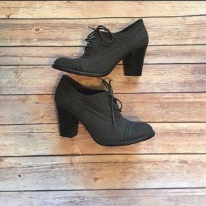 Dark gray booties with heel