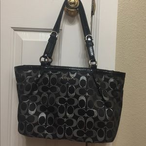 🌸 Black and Silver Coach Purse 🌸