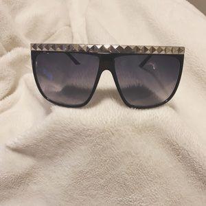 Studded Rimmed Sunglasses