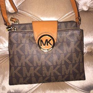 Handbags - Michael Kors Cross Body. NWOT