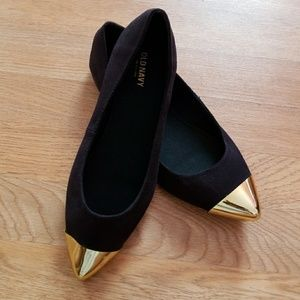*BRAND NEW* Gold Toe Flats