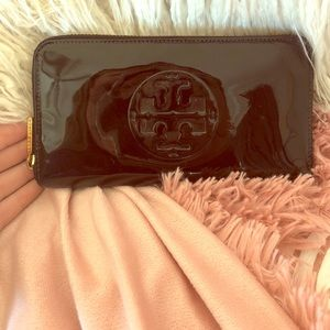 Authentic Tory Burch Patent Leather Wallet