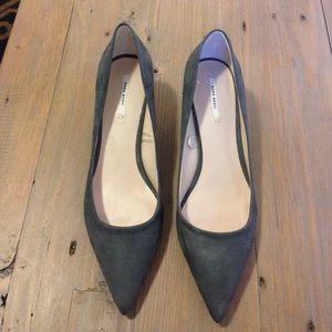 Zara gray suede heels NEW 10