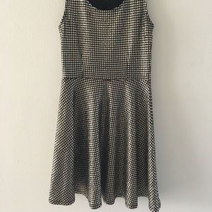 Dresses & Skirts - Black and gold houndstooth dress