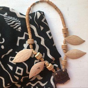 Vintage 80's wood turtle necklace 🐢