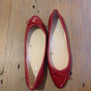 Zara red animal texture flats 10 NEW!