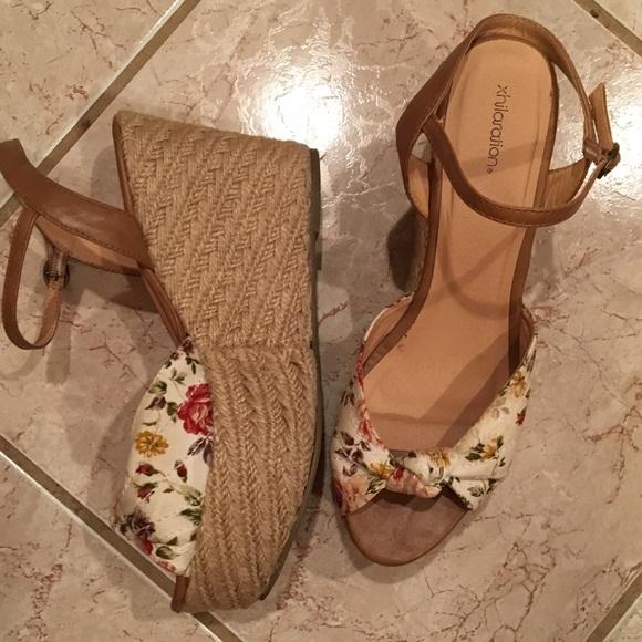6ea55257227284 9M xhilaration Platform Ankle Strap Floral Sandals.  M 59e60daa3c6f9f495d03eb59
