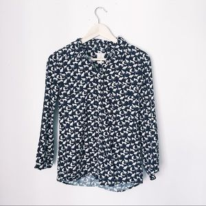 GAP FITTED BOYFRIEND CAT PATTERN BUTTON DOWN TOP