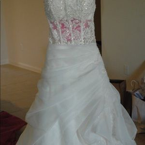 Essence of Austrailia wedding dress