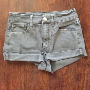 Hi-Rise American Eagle shorts