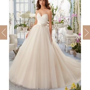 *NEW* Gorgeous Wedding Gown