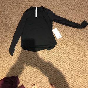 Lululemon smooth stride long sleeve size 4