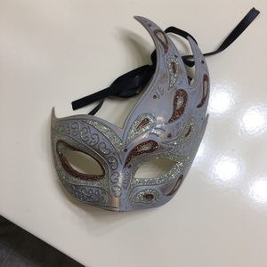 White/Gold Masquerade from Halloween Club