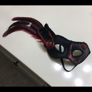 Black/Red Masquerade