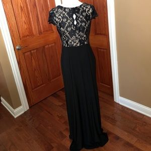 Dresses & Skirts - Black lace simple dress
