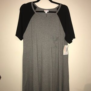 HTF BNWT LuLaRoe XL Carly Dress, Gray w/ Black Slv